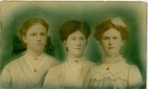 Left to right: Virginia Ellen Doughty, 1891-1878; Nannie Mae Doughty, 1885-1921;  Annie Lee Doughty, 1882-1964.